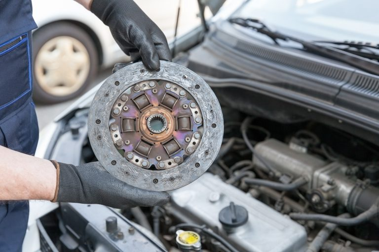 How much does it cost to replace a clutch kit?