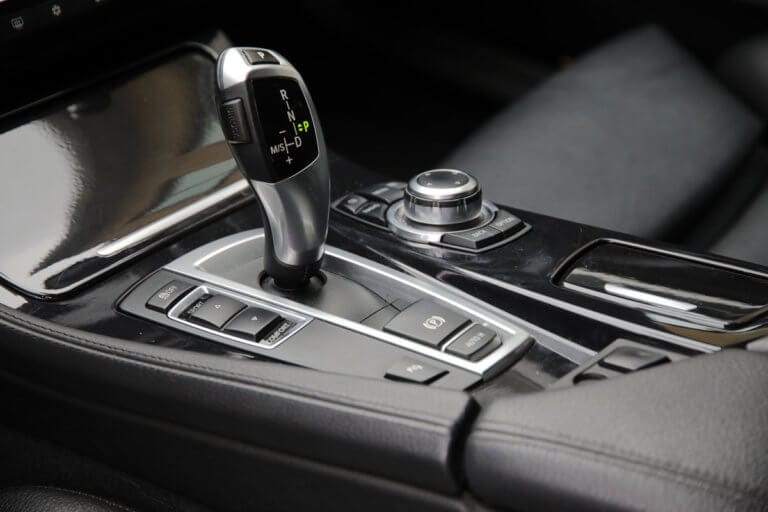How does an automatic gearbox work?