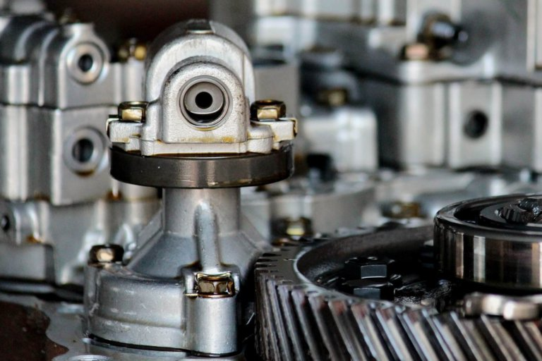 How much does an automatic gearbox oil change cost?