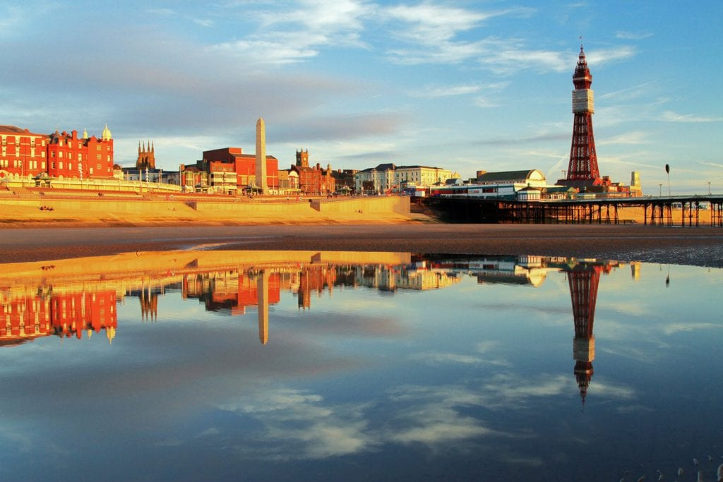 blackpool-tower-north-pier-holiday
