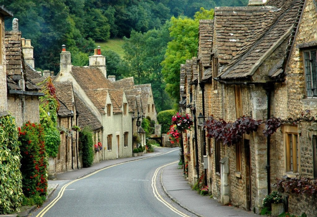 castle-combe-cotswolds-holiday